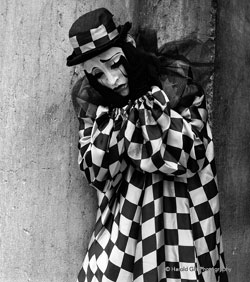 sad_clown_by_danluxe[1]